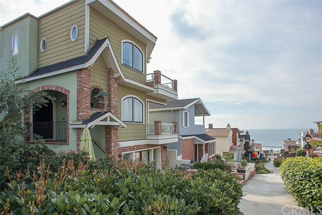 Photo of 212 18th Street, Manhattan Beach, CA 90266