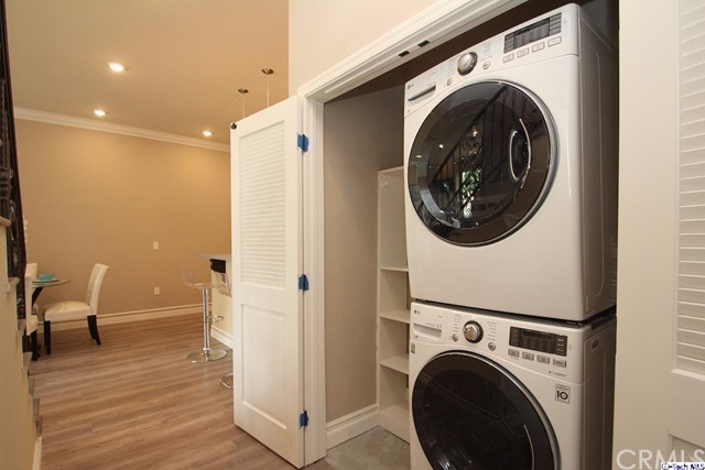 201 N Reese Place Unit 203 Burbank, CA 91506 - MLS #: 317006136