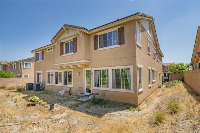2902 Split Mountain Lane, San Bernardino CA: http://media.crmls.org/medias/1ff0e33c-d88e-4617-afbe-f9db8d9e3be7.jpg