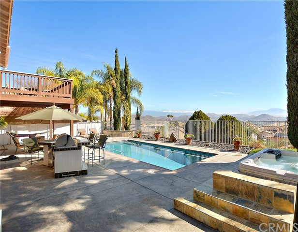 37 Vista Palermo Lake Elsinore, CA 92532 - MLS #: SW18066456