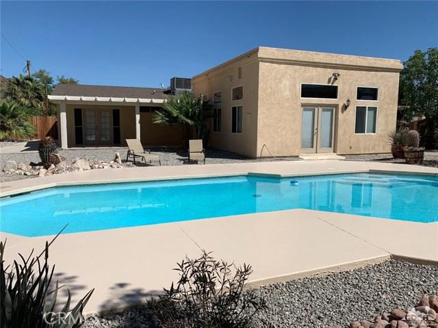 51865 Ave. Cortez, La Quinta CA: http://media.crmls.org/medias/200c5e1b-8c67-4d81-8471-efd4fde6739a.jpg