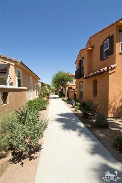 52185 Rosewood Lane, La Quinta CA: http://media.crmls.org/medias/200dcf69-734a-45e1-a0d4-200f96872f3f.jpg