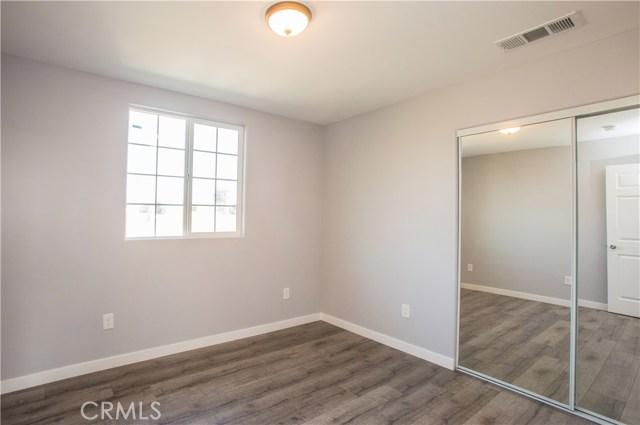 1256 S Indiana Street, Los Angeles CA: http://media.crmls.org/medias/20109abd-cbba-4606-8f3b-3f606cab1c38.jpg