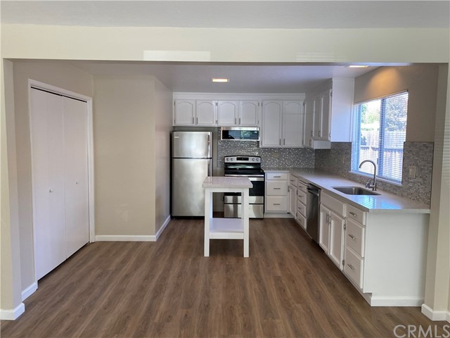 Detail Gallery Image 1 of 31 For 17270 Markross Ct. Ct B, Morgan Hill, CA 95037 - 3 Beds | 2 Baths