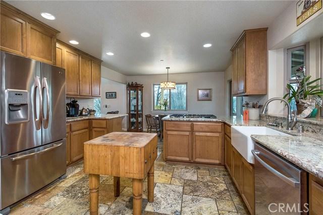 3375 Hill Road, Lakeport CA: http://media.crmls.org/medias/203d702d-42c1-4bfb-8e3e-70d51f2b2df0.jpg