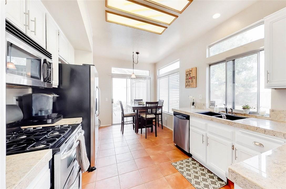24330 Lenox Lane Murrieta, CA 92562 - MLS #: SW18050927