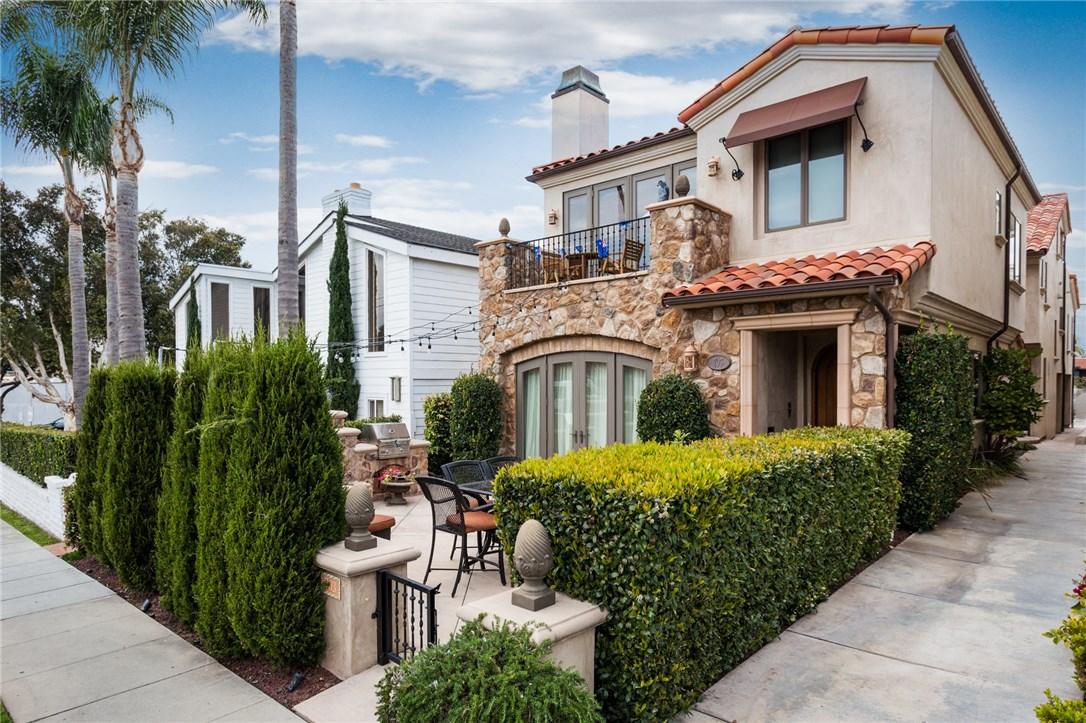703 Goldenrod Avenue B, Corona del Mar, CA 92525