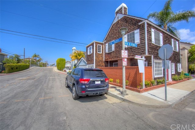 103 E Via Di Roma E Walk, Long Beach CA: http://media.crmls.org/medias/2054fb84-1b94-40a7-91e4-69b0b5a9bfd7.jpg