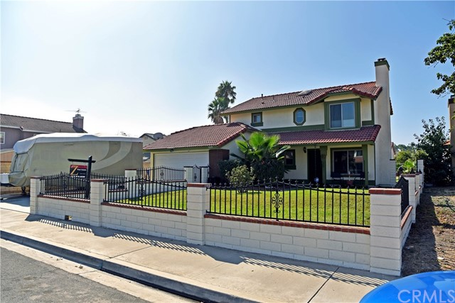 9379 Delfern Lane, Riverside CA: http://media.crmls.org/medias/205886fd-e6b0-4574-b5a0-fc990ce61835.jpg