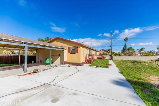 1247 E Street, Corona CA: http://media.crmls.org/medias/205c8fe0-28a8-4d1a-b182-3af9178faf07.jpg