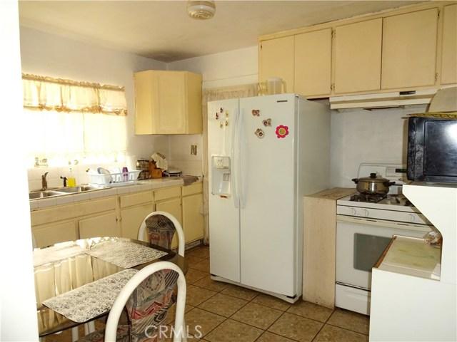 529 W Santa Cruz Street, San Pedro CA: http://media.crmls.org/medias/206e4f63-6e10-451e-a420-040cf771488a.jpg