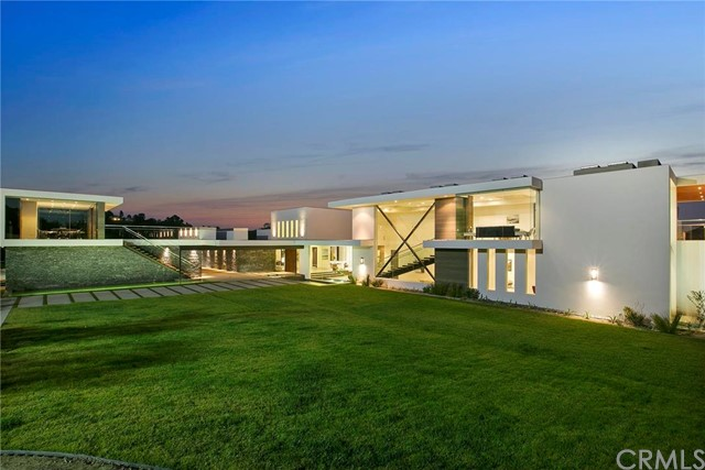 Single Family Home for Sale at 3000 Benedict Canyon Drive Beverly Hills, California 90210 United States