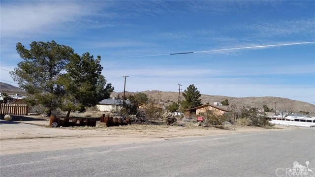 Photo of home for sale at 6394 Mountain View Street, Joshua Tree CA