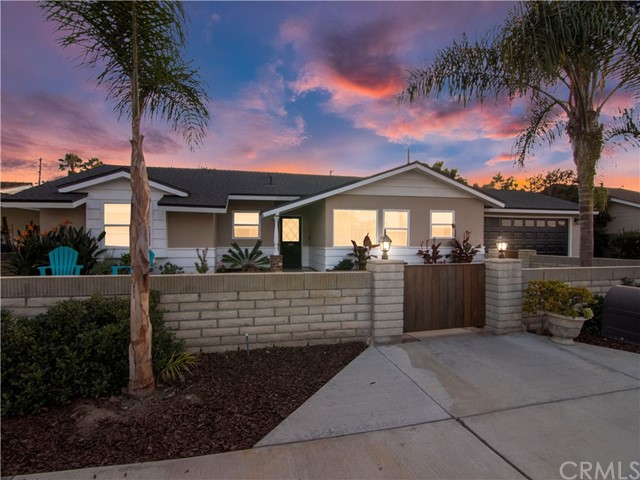 Photo of 461 16th Place, Costa Mesa, CA 92627
