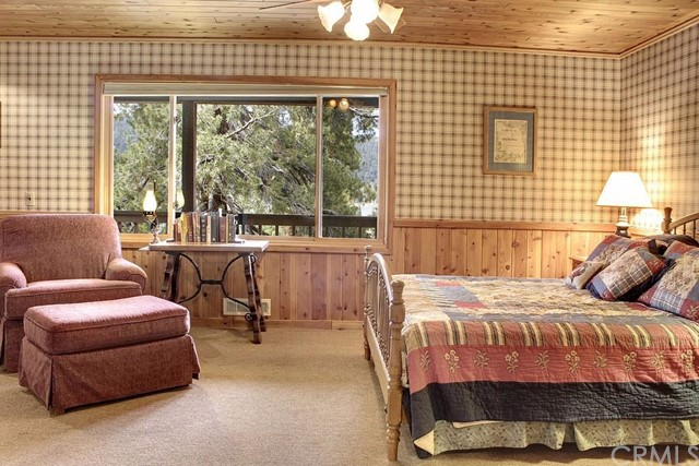 Additional photo for property listing at 38609 Talbot Drive  Big Bear, California 92315 United States