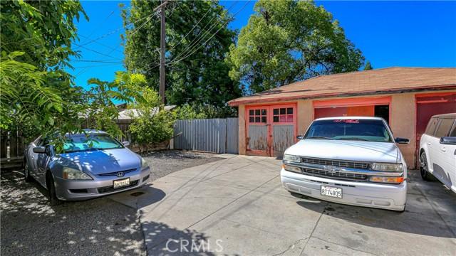 1625 E Olive Avenue, Fresno CA: http://media.crmls.org/medias/20a2fe8b-5cd2-4053-aef2-9eb0a1bdbd06.jpg