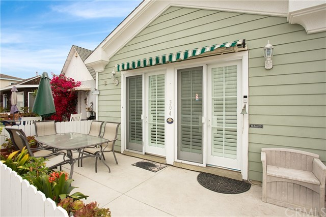 304 34th Street Newport Beach, CA 92663 - MLS #: NP18228156