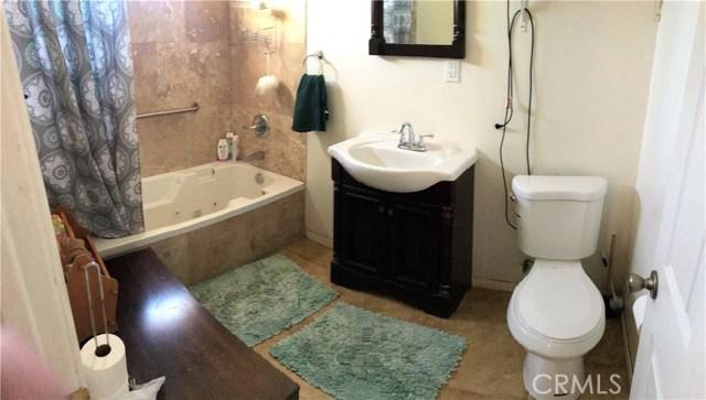 6204 Brynhurst Avenue, Hyde Park CA: http://media.crmls.org/medias/20b0c783-8cd5-43d4-9c55-a9eea0308931.jpg