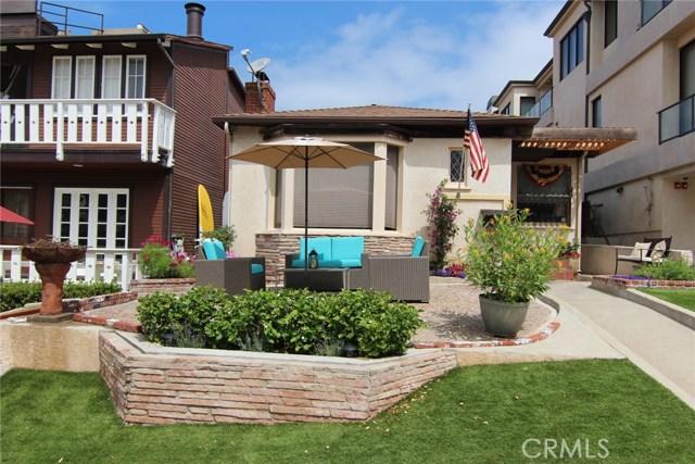 229 8th Street, Manhattan Beach, CA 90266