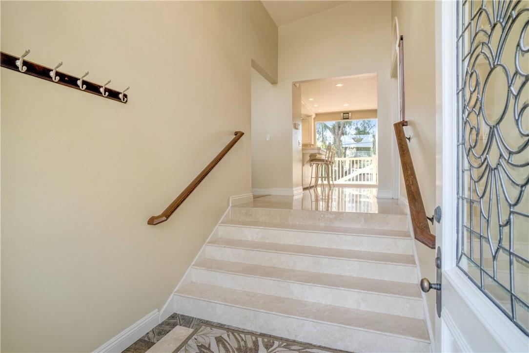 18 Ranchview Road, Rolling Hills Estates CA: http://media.crmls.org/medias/20b7dc25-adaf-44b0-98ce-254c9ef49f81.jpg