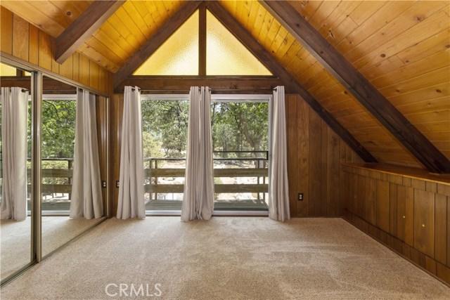 1223 Yellowstone Drive, Lake Arrowhead CA: http://media.crmls.org/medias/20ccde68-cade-4e54-8d3d-5c40c42e8bf3.jpg