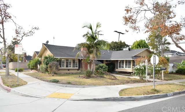 Single Family Home for Sale at 3272 Kempton St Los Alamitos, California 90720 United States