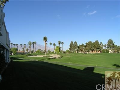 665 Vista Lago Circle, Palm Desert CA: http://media.crmls.org/medias/20d62999-fc5a-4b76-aae1-87b65c89ef29.jpg