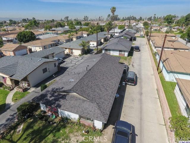 129 S Vernon Avenue, Azusa CA: http://media.crmls.org/medias/20eab8d4-2edd-45fb-9845-1116e379bdf4.jpg