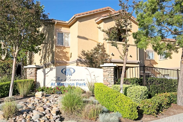 41410 Juniper Street, Murrieta CA: http://media.crmls.org/medias/20f1f907-299c-4049-8342-26dd2598821c.jpg