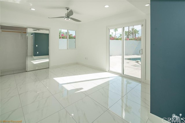315 Farrell, Palm Springs CA: http://media.crmls.org/medias/20f36caf-533f-47f6-a6ad-0e418fc69e91.jpg