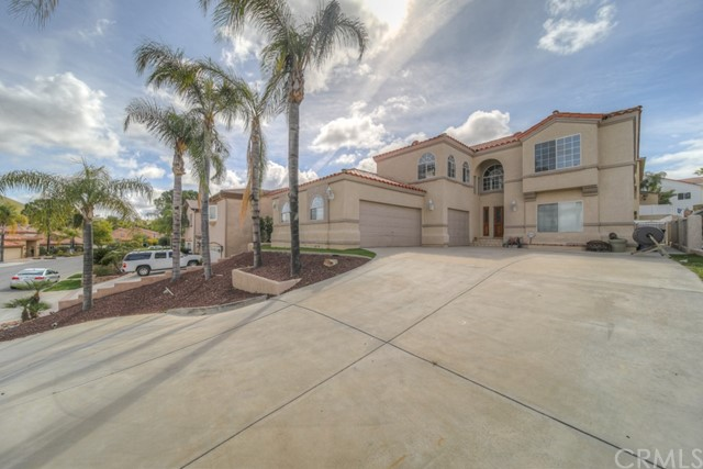 22549 Lighthouse Drive, Canyon Lake CA: http://media.crmls.org/medias/20fc623e-8c3d-4bd9-9d2d-a59f51d73b3b.jpg