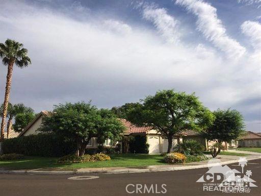 279 Tolosa Circle, Palm Desert CA: http://media.crmls.org/medias/20fdce3c-14b2-4a33-8674-85b5224be6a3.jpg