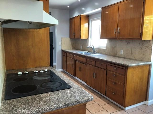 3208 Idaho Street, Bakersfield CA: http://media.crmls.org/medias/2100b4c6-a5e9-4e5e-ba46-5e02ffe87345.jpg