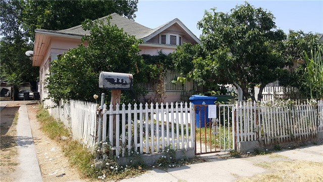 242 E 43rd Place Los Angeles, CA 90011 - MLS #: DW18191539