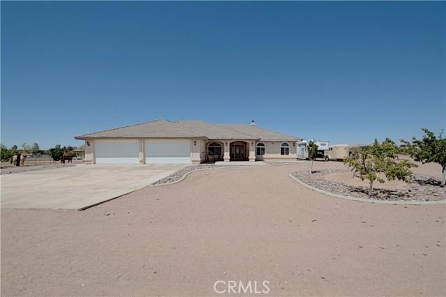 Single Family Home for Sale at 11640 Meadowlark Avenue Oak Hills, California 92344 United States