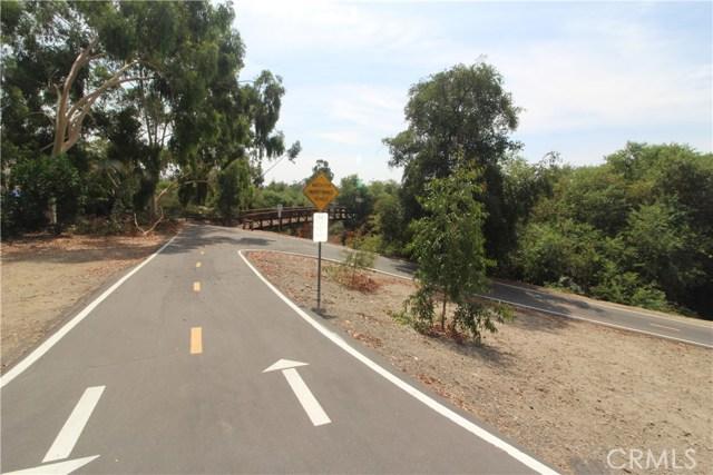 25756 View Pointe, Lake Forest CA: http://media.crmls.org/medias/2117fc30-a94b-4a0d-b28e-deabcdc96710.jpg