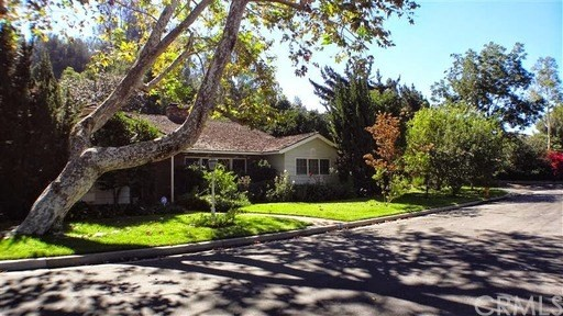 Single Family Home for Rent at 611 Devon Place W Long Beach, California 90807 United States