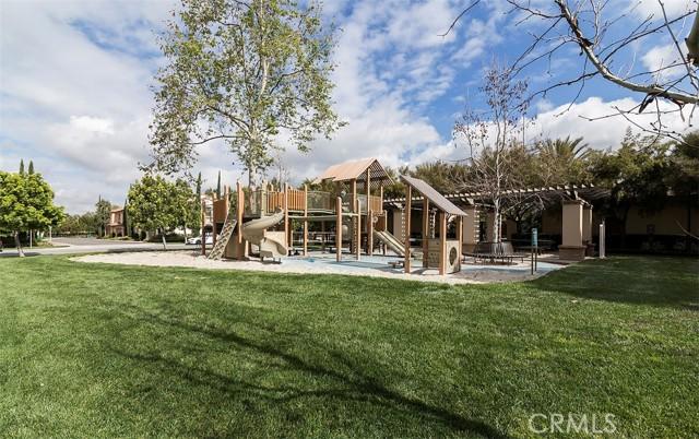 25 Peach Blossom, Irvine CA: http://media.crmls.org/medias/2123be24-165c-4f0b-a7e1-314c20e96a9d.jpg