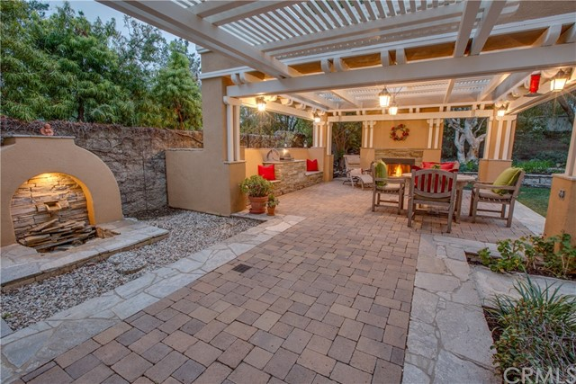 17 Berkshire, Rancho Santa Margarita CA: http://media.crmls.org/medias/21384f1b-9519-44a7-90bd-091a98d82e70.jpg