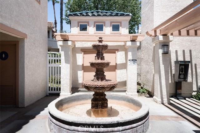 24392 Acaso, Laguna Hills CA: http://media.crmls.org/medias/21496fa1-cd05-4ea9-817b-7ef151274fe2.jpg