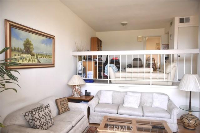 230 N Sierra Vista Street, Monterey Park CA: http://media.crmls.org/medias/216f968b-3f66-4c55-a113-be472b0609d3.jpg