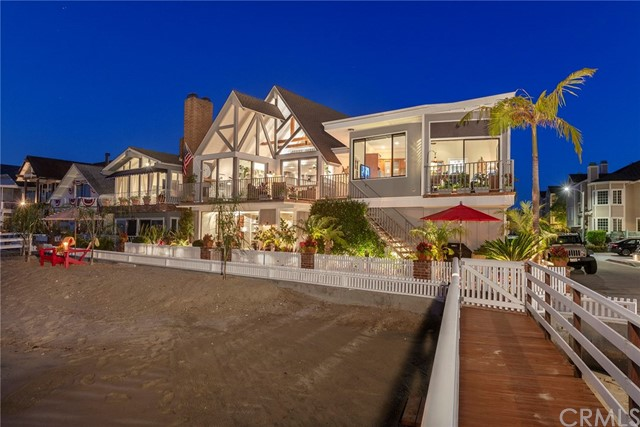 Photo of 405 E Edgewater Avenue, Newport Beach, CA 92661