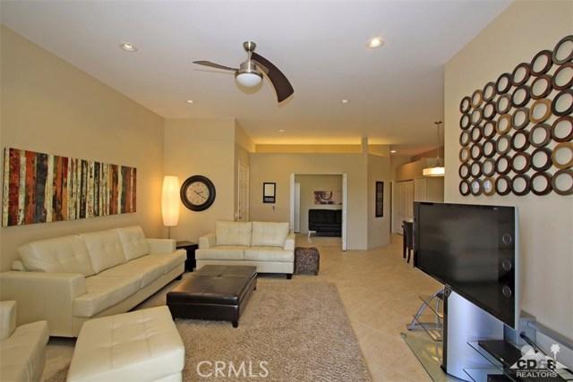 75 Augusta Drive, Rancho Mirage CA: http://media.crmls.org/medias/2178cac8-bba4-4be5-874f-06f6d82cf927.jpg