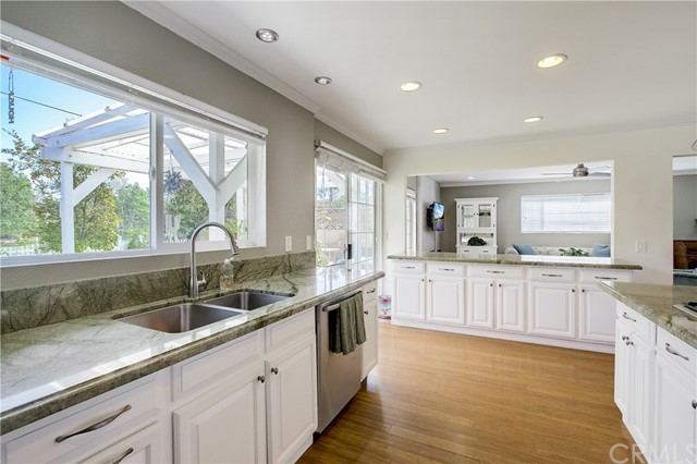 24312 Twig Street, Lake Forest CA: http://media.crmls.org/medias/217a19c0-446c-4312-8a14-79a509a38b21.jpg