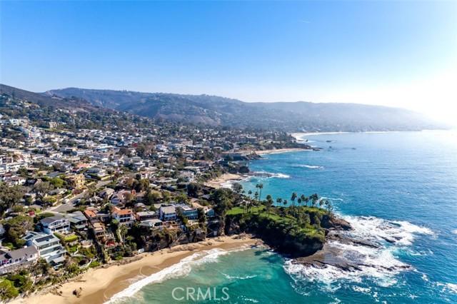 319 Cypress Drive, Laguna Beach CA: http://media.crmls.org/medias/218236f1-5b92-4cc1-bf06-13834732ee39.jpg