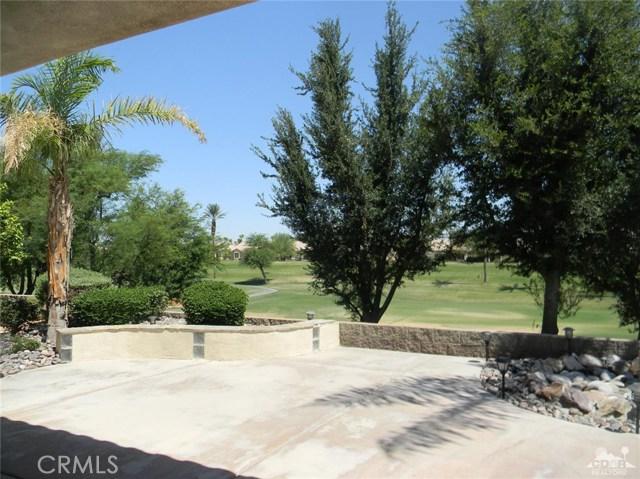 78260 Willowrich Drive, Palm Desert CA: http://media.crmls.org/medias/2183945c-c120-4421-9bd6-e08503a7ef27.jpg