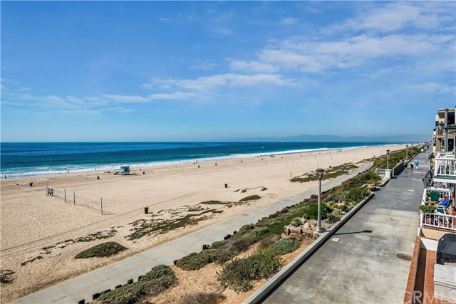 1304 The Strand B, Manhattan Beach, CA 90266 photo 16