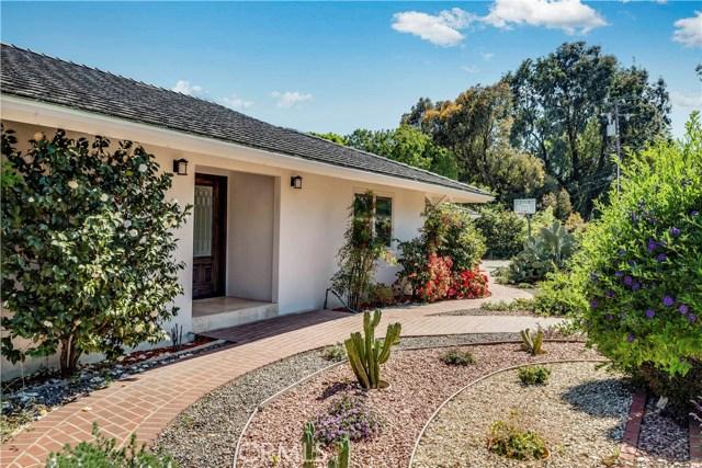 1 Maverick Lane, Rolling Hills CA: http://media.crmls.org/medias/2198cfbd-7e4b-4c79-84bd-4497fd074465.jpg