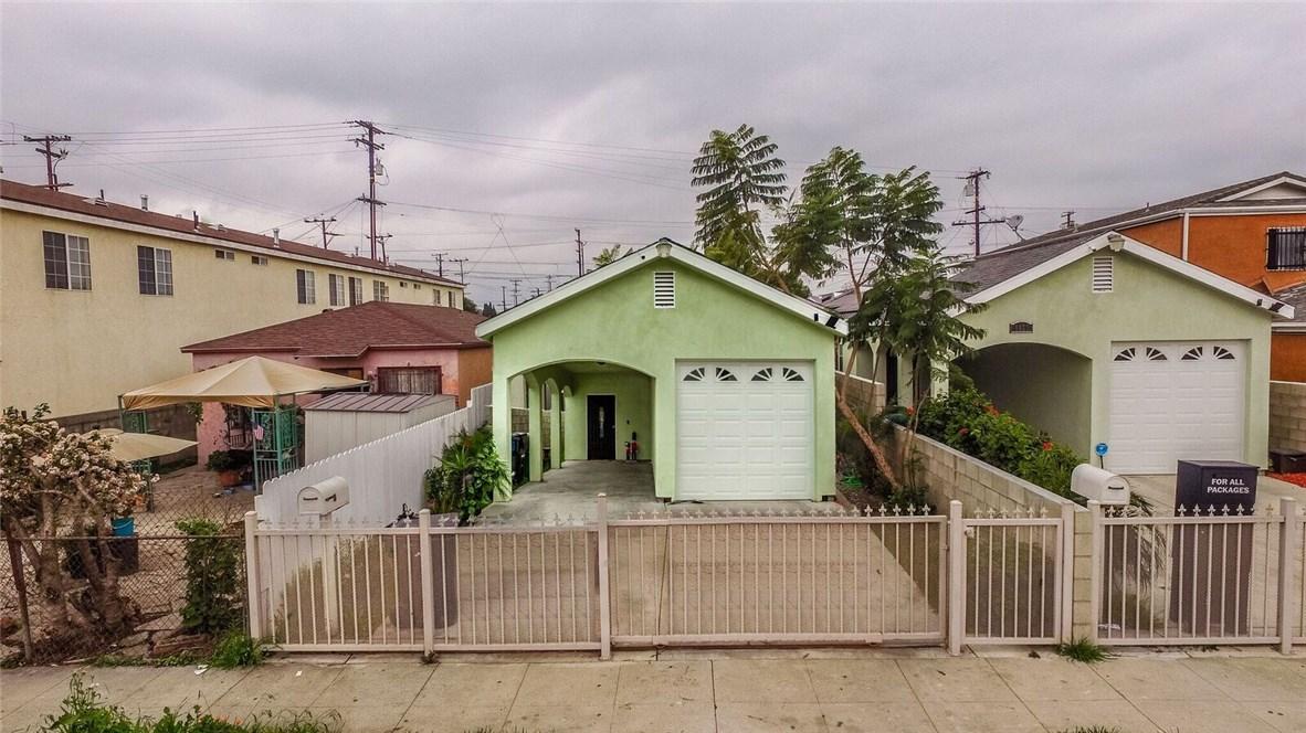 8631 Grape Street, Los Angeles CA: http://media.crmls.org/medias/21a8616f-7fb6-43a3-b4ea-e50a4c5e4fa2.jpg