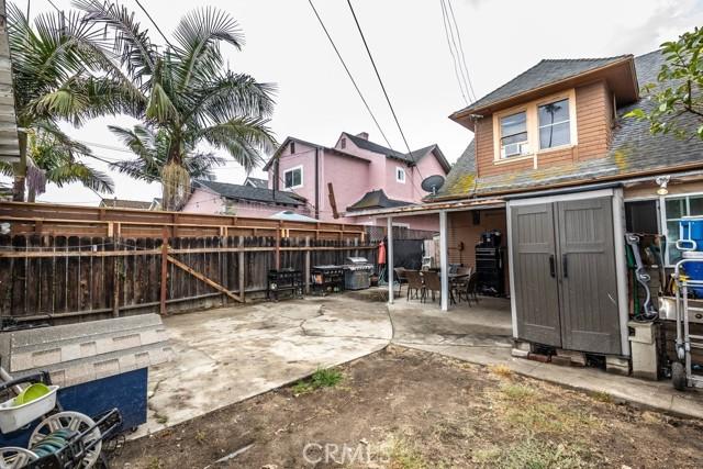 1305 W 35th Place, Los Angeles CA: http://media.crmls.org/medias/21b7e1c4-9e1c-41f4-83c4-3be04b2cc446.jpg